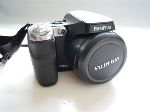 Fujifilm FinePix S Series S8000fd 8.0 MP Digital Camera - Black